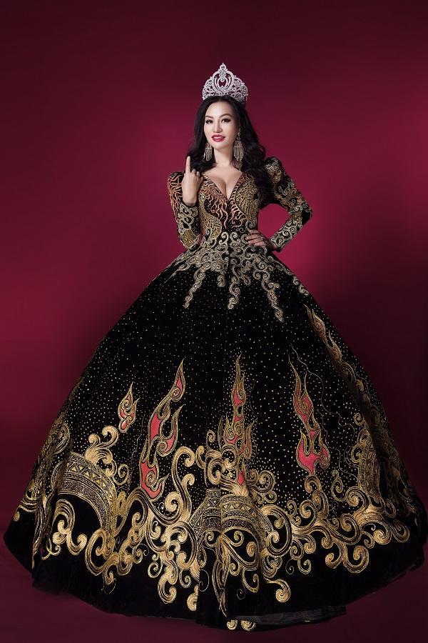 Trần Huyền Nhung tiết lộ về chiếc đầm mặc khi đăng quang-7