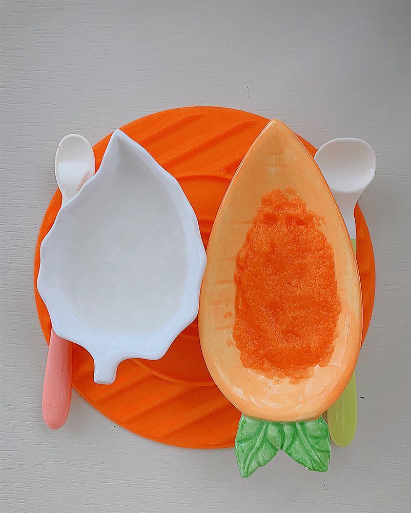 Hoa hậu Đặng Thu Thảo khoe bữa ăn rau củ đầu tiên của con gái-2