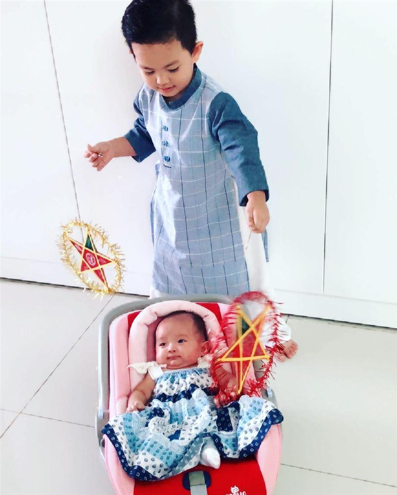 Hoa hậu Đặng Thu Thảo khoe bữa ăn rau củ đầu tiên của con gái-6