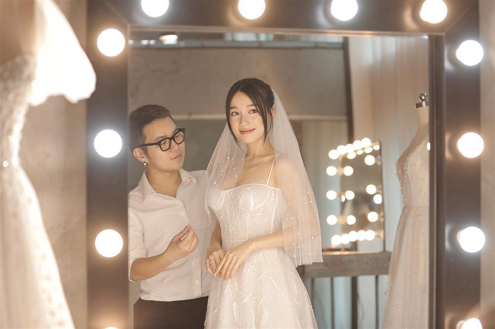 Cận cảnh 2 mẫu váy cưới giúp nhan sắc Nhã Phương thoát tục trong ngày làm cô dâu của Trường Giang-5