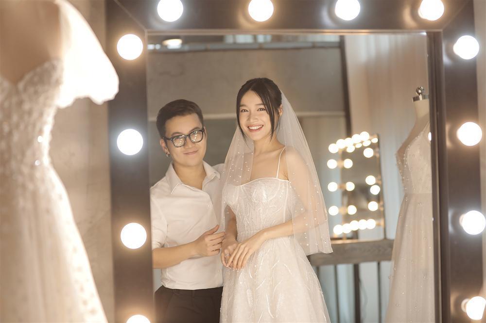 Cận cảnh 2 mẫu váy cưới giúp nhan sắc Nhã Phương thoát tục trong ngày làm cô dâu của Trường Giang-6