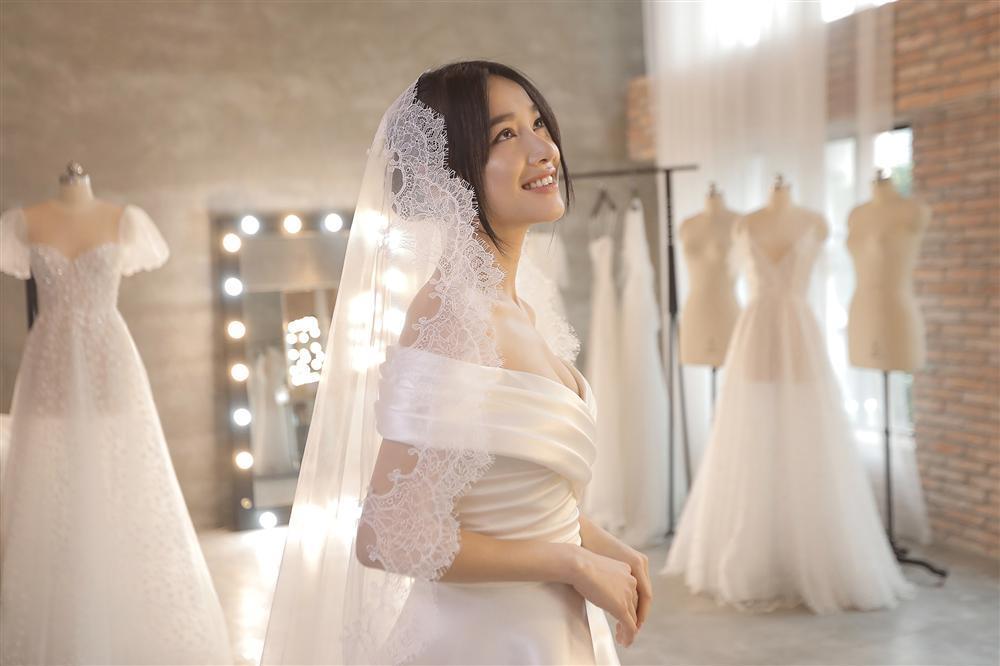 Cận cảnh 2 mẫu váy cưới giúp nhan sắc Nhã Phương thoát tục trong ngày làm cô dâu của Trường Giang-8