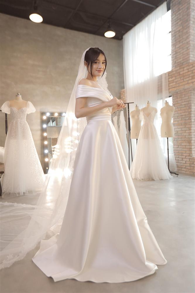 Cận cảnh 2 mẫu váy cưới giúp nhan sắc Nhã Phương thoát tục trong ngày làm cô dâu của Trường Giang-9