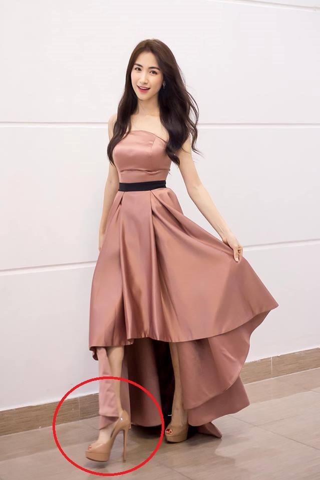 Hòa Minzy ăn gian chiều cao với giày cao 20 cm-1