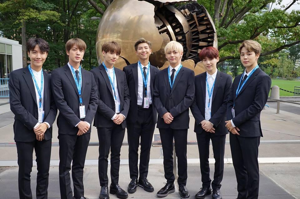 BTS gây sốt khi phát biểu tại Liên Hợp Quốc:  Hãy nói lên chính con người của mình-1