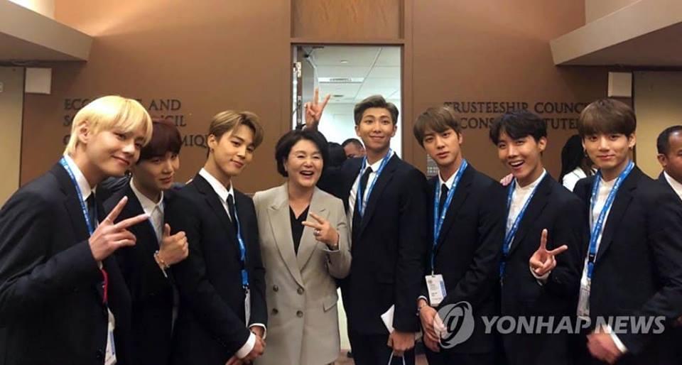 BTS gây sốt khi phát biểu tại Liên Hợp Quốc:  Hãy nói lên chính con người của mình-6