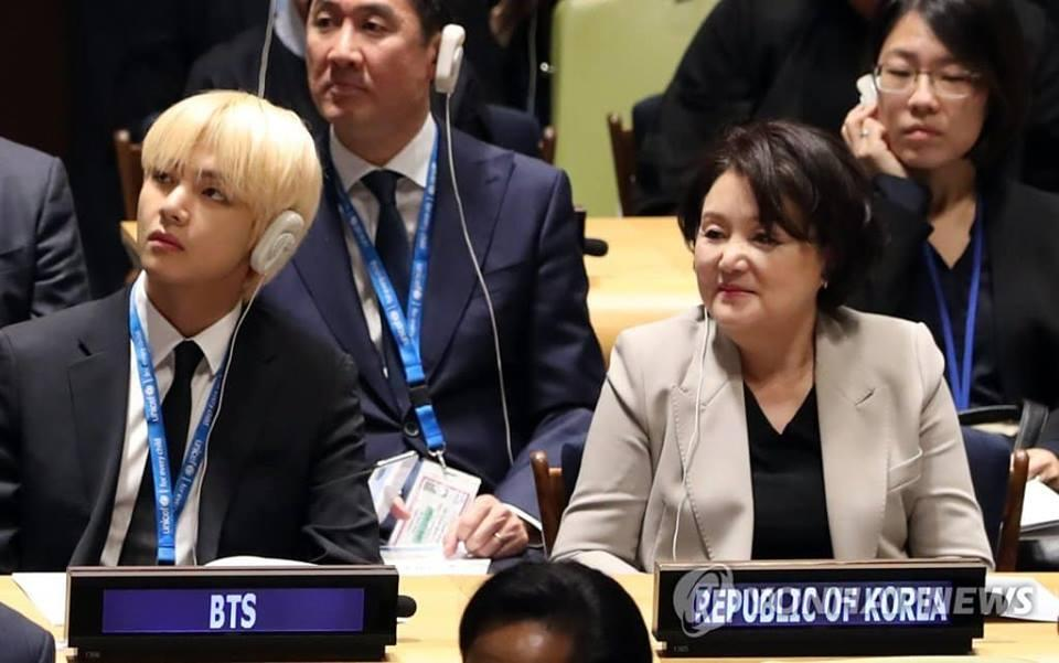 BTS gây sốt khi phát biểu tại Liên Hợp Quốc:  Hãy nói lên chính con người của mình-7
