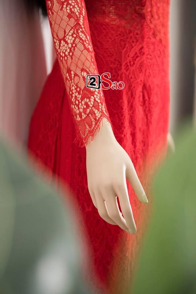 Cận cảnh bộ áo dài đỏ khác biệt của Nhã Phương trong lễ ăn hỏi tràn ngập màu trắng-5