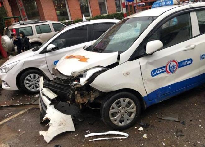 Con nghiện lái xe gây tai nạn liên hoàn nhiều người thoát chết-4