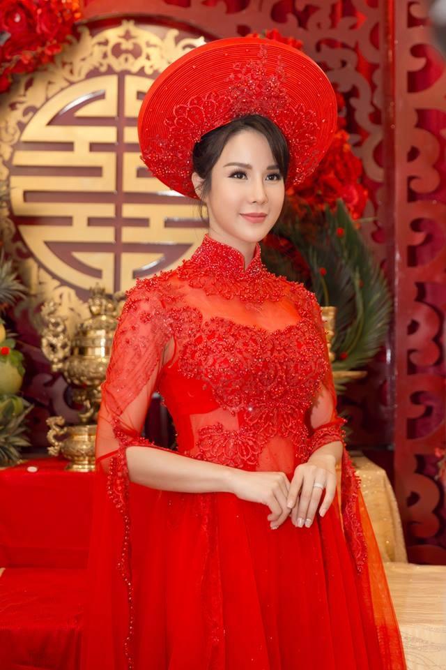 Muốn đẹp xuất sắc trong ngày ăn hỏi, hãy chọn áo dài đỏ như Nhã Phương - Hà Tăng - Đặng Thu Thảo-4