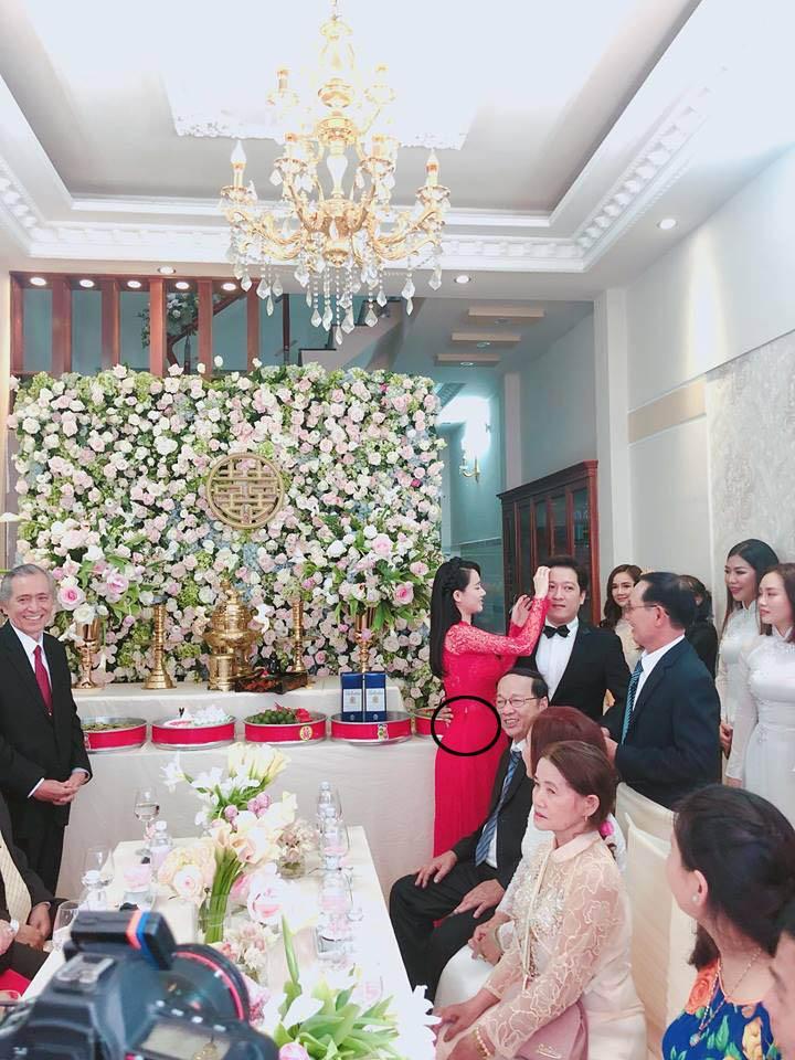 Nhã Phương bị soi vòng 2 to bất thường trong ngày làm cô dâu của Trường Giang-3