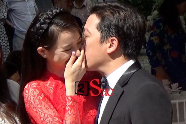 Trường Giang trao Nhã Phương nụ hôn ngọt ngào khép lại lễ rước dâu đầy ắp niềm vui-1