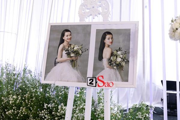 Trường Giang liên tục lau nước mắt cho Nhã Phương trong lễ cưới-7