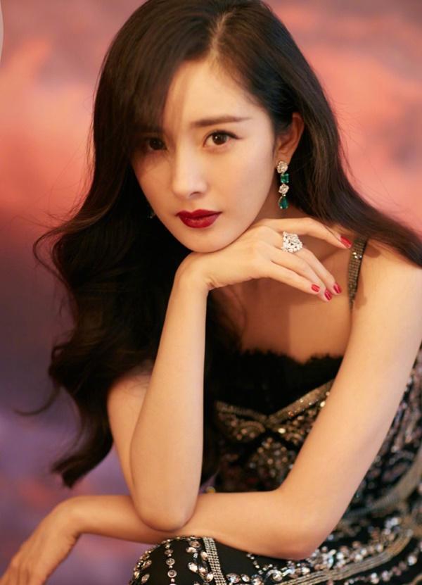 Dương Mịch: Cô độc trong showbiz, không giữ được mối quan hệ thân tình vì lý do gì?-1
