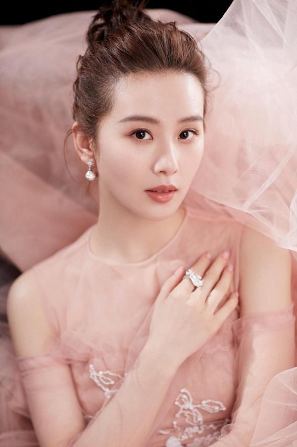 Dương Mịch: Cô độc trong showbiz, không giữ được mối quan hệ thân tình vì lý do gì?-6