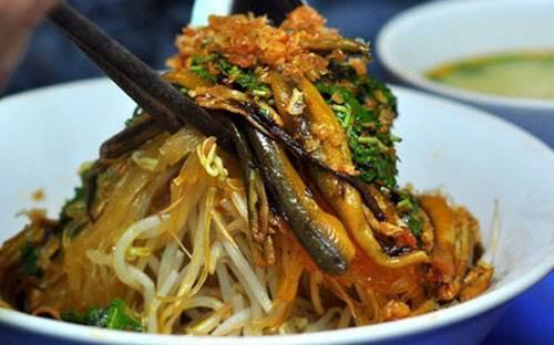 Quán miến lươn, cua ngon thứ thiệt đốn tim khách sành ăn ở Sài thành-2