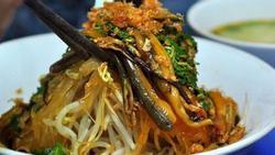 Quán miến lươn, cua ngon thứ thiệt đốn tim khách sành ăn ở Sài thành