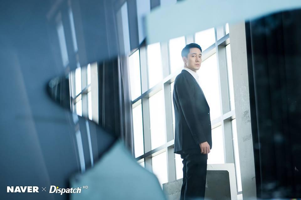 Dispatch tung loạt ảnh lịch lãm cực kỳ phong độ của quý ông U40 So Ji Sub-9