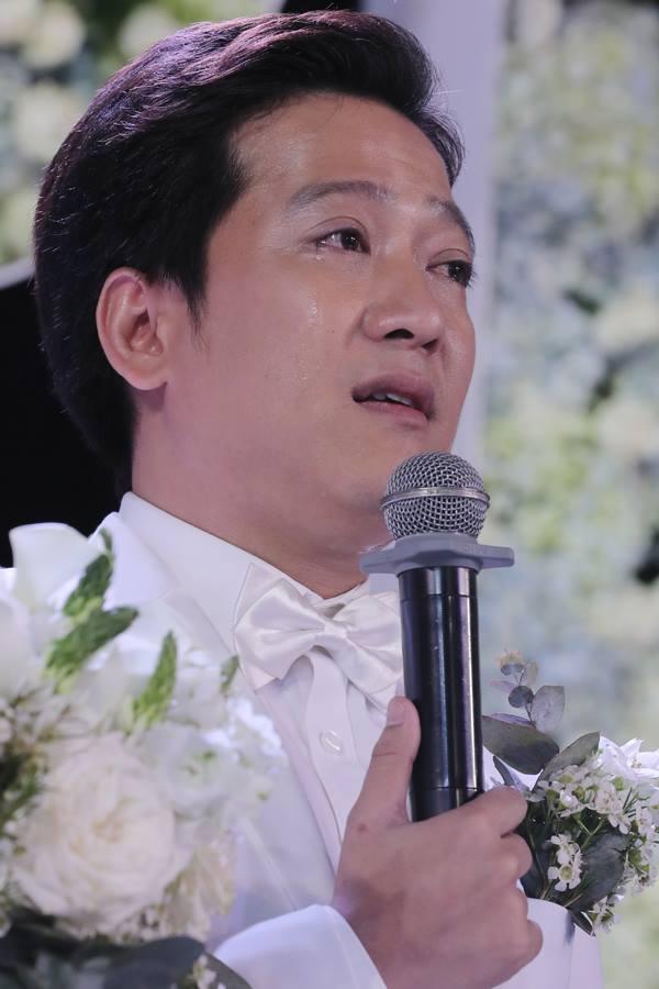 Đi đám cưới Trường Giang - Nhã Phương, Hương Giang Idol ngậm ngùi than thở ăn cỗ toàn lỗ-3