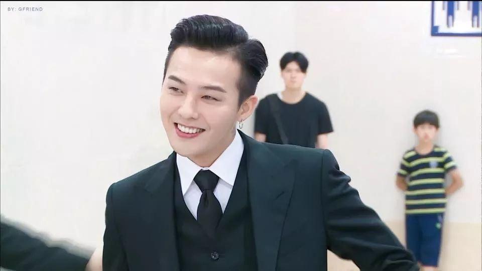 Không mặc suit thì thôi nhưng một khi đã chọn, G-Dragon chỉ có nước khiến fan trụy tim-1