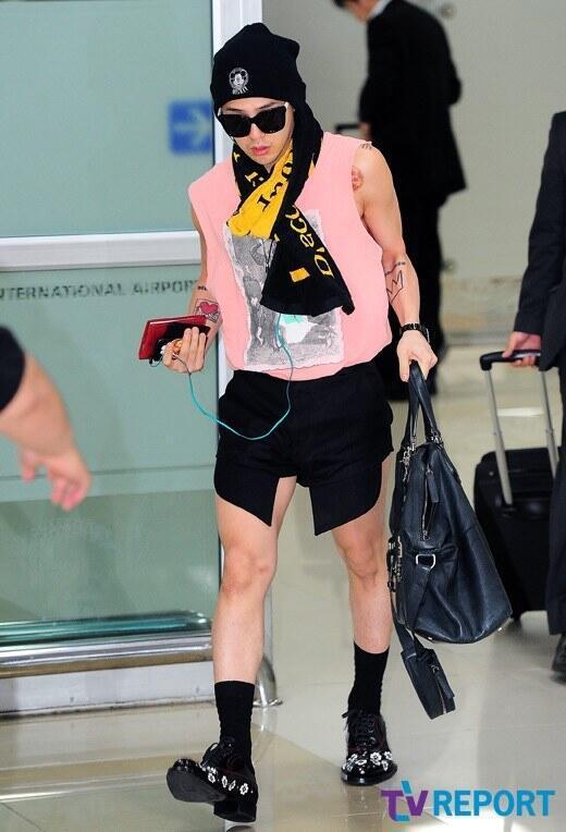 Không mặc suit thì thôi nhưng một khi đã chọn, G-Dragon chỉ có nước khiến fan trụy tim-12
