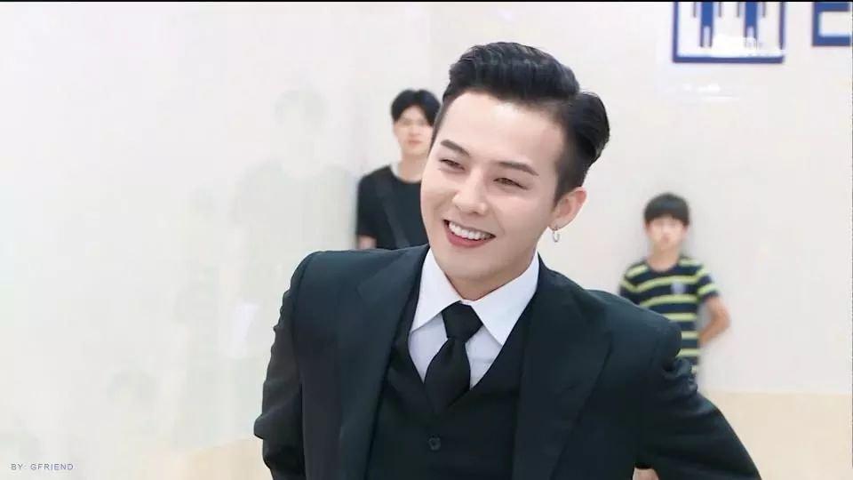 Không mặc suit thì thôi nhưng một khi đã chọn, G-Dragon chỉ có nước khiến fan trụy tim-2