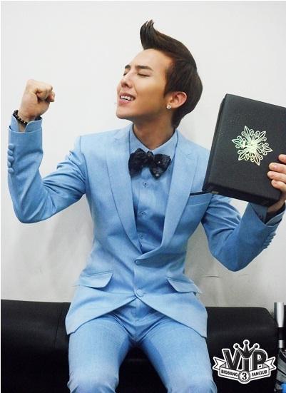 Không mặc suit thì thôi nhưng một khi đã chọn, G-Dragon chỉ có nước khiến fan trụy tim-8