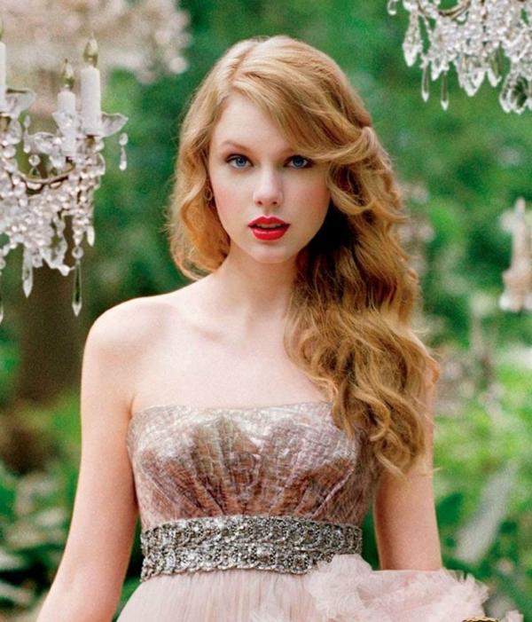 Ngày này 4 năm trước: Taylor Swift hoàn toàn không hát chữ nào nhưng vẫn là Quán quân iTunes-3