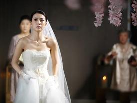 'Món quà' chú rể tặng trong ngày cưới khiến cô dâu tái mặt, khách khứa sững sờ