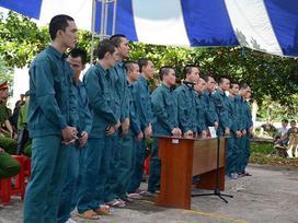 15 thanh niên tấn công trụ sở cảnh sát ở Bình Thuận lĩnh án