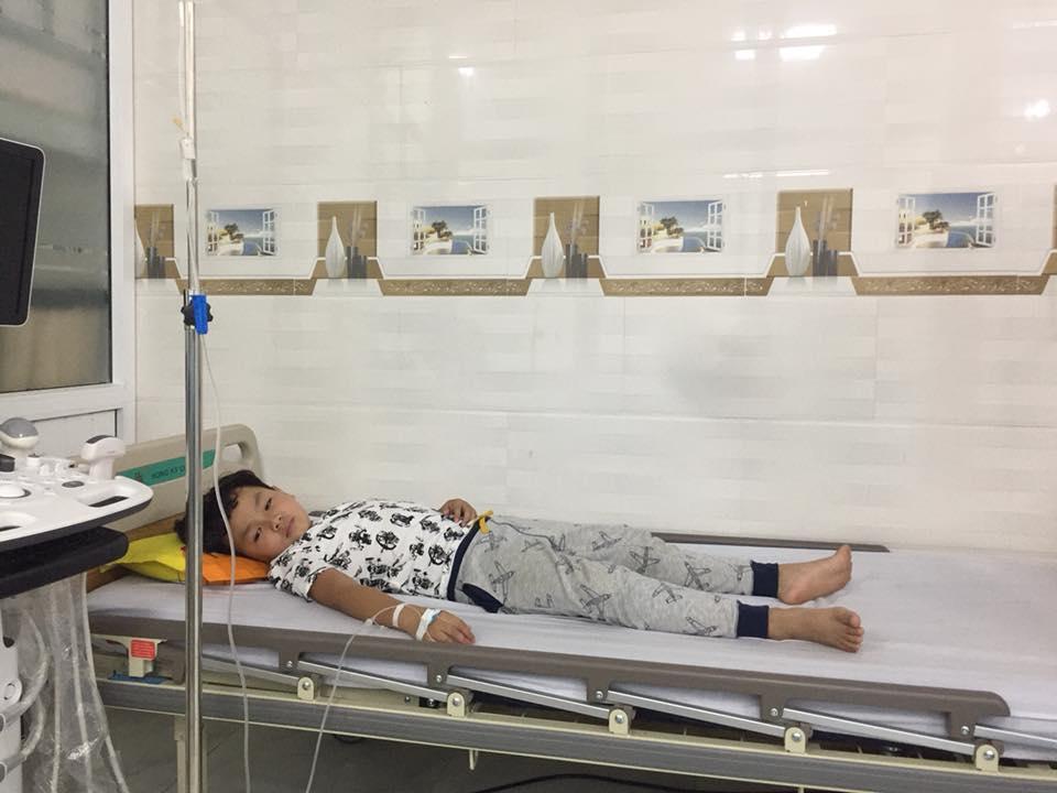 Sao nhí Chú Ơi, Đừng Lấy Mẹ Con nhập viện vì bị chửi rủa dù không liên quan chuyện Kiều Minh Tuấn yêu An Nguy-5