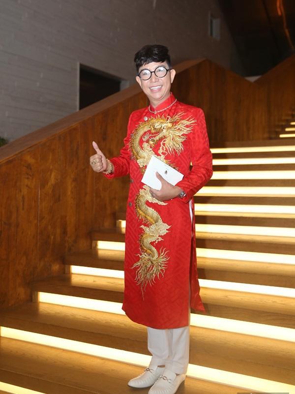 Chỉ là đi dự tiệc cưới thôi, nhiều sao Việt bị chỉ trích vì vô tâm lên đồ lấn lướt cả cô dâu - chú rể-1