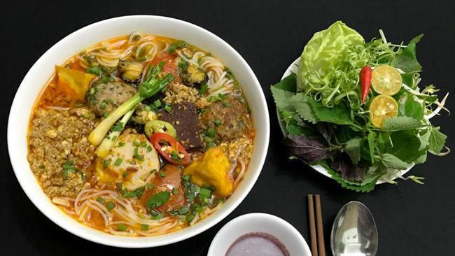 Dạo quanh chợ Nghĩa Tân có đủ món ăn ngon - bổ - rẻ không quá 50 nghìn đồng-7