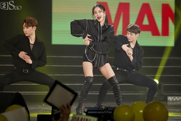Queens Việt xem không chớp mắt trước màn biểu diễn vô cùng sexy của Hyomin-2