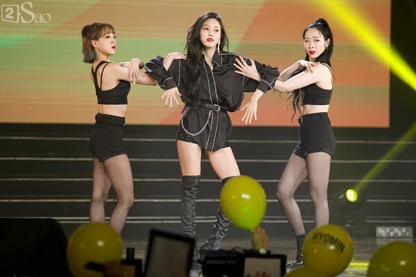 Queens Việt xem không chớp mắt trước màn biểu diễn vô cùng sexy của Hyomin-3