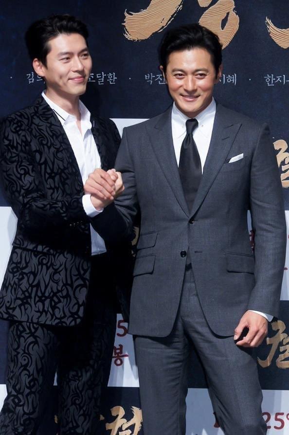U50 Jang Dong Gun đẹp không kém cạnh khi đứng chung khung hình với U40 Hyun Bin-1