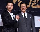 U50 Jang Dong Gun đẹp không kém cạnh khi đứng chung khung hình với U40 Hyun Bin