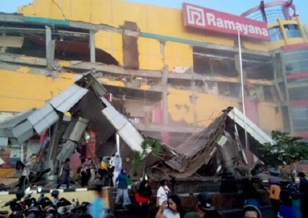 Hàng chục người thiệt mạng vì động đất, sóng thần tại Indonesia-4