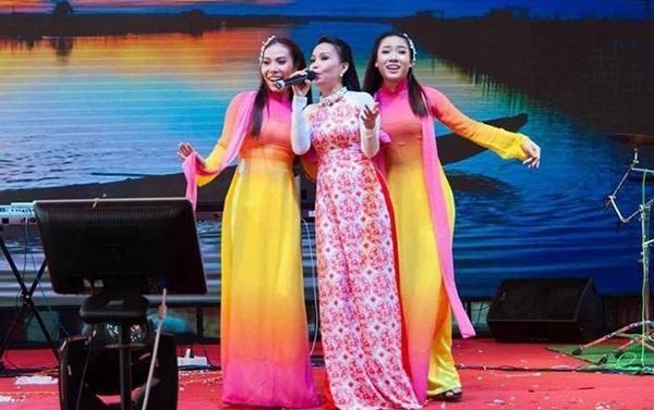Cô dâu Kiên Giang được trao 129 cây vàng trong ngày cưới-8