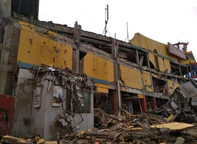 Sinh viên Việt Nam an toàn sau động đất, sóng thần tại Indonesia-1