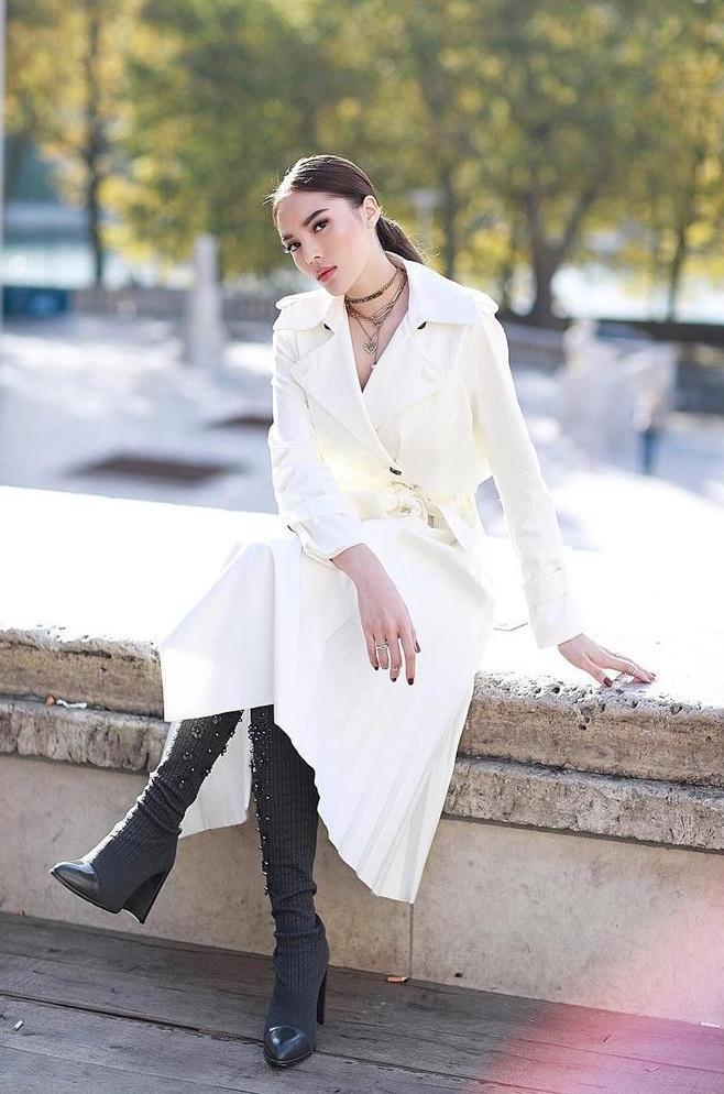 Hội ngộ ở Paris Fashion Week, Kỳ Duyên đánh sập mỹ nhân không tuổi Dara cả thần thái lẫn vóc dáng-3