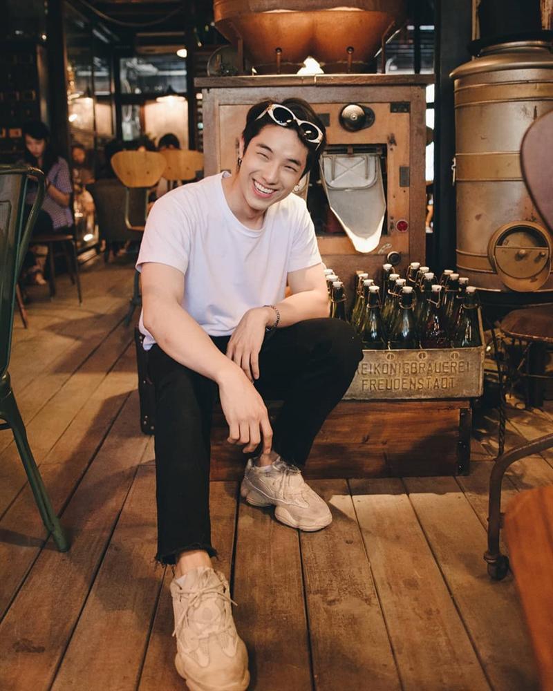 Hot boy Thái Lan body 6 múi, mắt một mí điển trai như sao Hàn-4