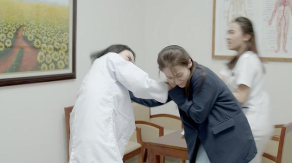 Hậu duệ mặt trời Việt Nam: Song Luân khoe thân hình 6 múi ăn đứt Song Joong Ki-9