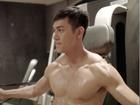 'Hậu duệ mặt trời' Việt Nam: Song Luân khoe thân hình 6 múi 'ăn đứt' Song Joong Ki