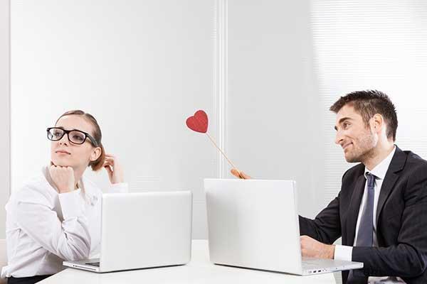 Các chòm sao thường xuyên kết hợp chuyện hẹn hò với công việc khiến gấu giận lên giận xuống-2