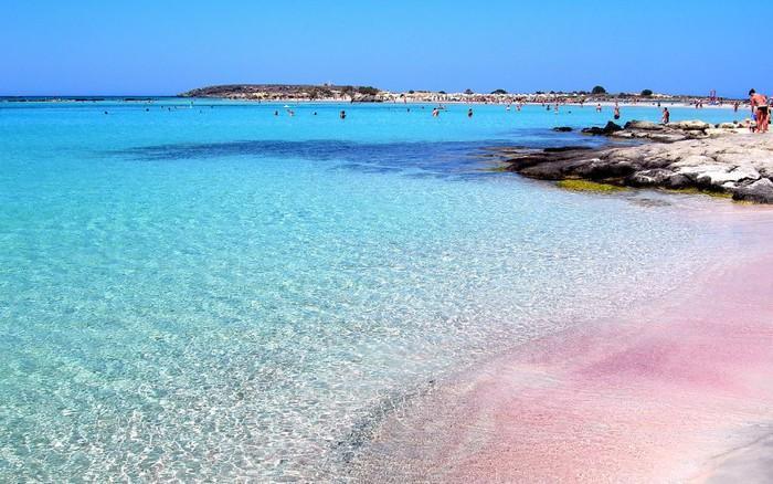 Những bãi biển có bờ cát hồng kỳ ảo nhất thế giới-4