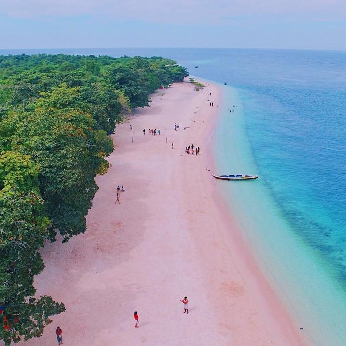 Những bãi biển có bờ cát hồng kỳ ảo nhất thế giới-7