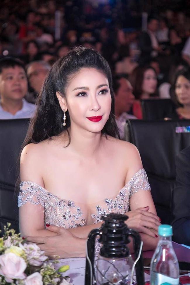 Vẻ sexy khó cưỡng của những mỹ nữ đóng cảnh nóng bạo nhất Việt Nam-5