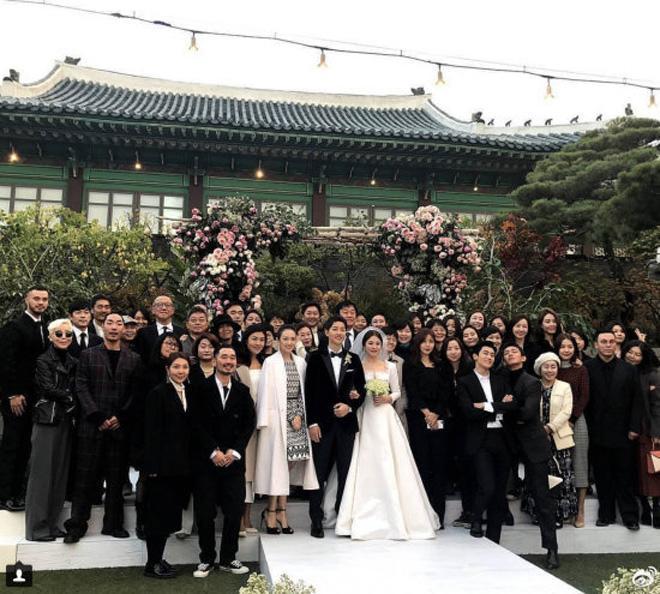 Chỉ là đi dự tiệc cưới thôi, nhiều sao Việt bị chỉ trích vì vô tâm lên đồ lấn lướt cả cô dâu - chú rể-12