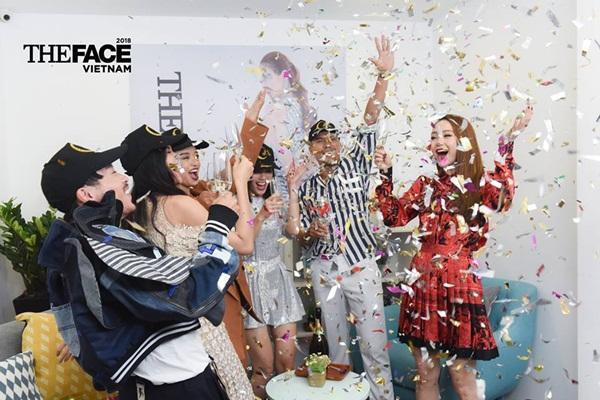 Hết hồn xem Minh Hằng ăn mừng hổng giống ai tại The Face: Nổi nhạc nhảy tưng bừng, phụt tuyết kín mặt thí sinh-3